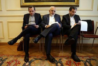جلسه داخلی تیم مذاکره کننده ایرانی - لوزان سوئیس