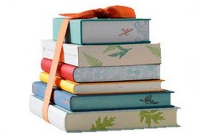 إهدای یک هزار و ۳۰۰ جلد کتاب در شهرستان بندرخمیر