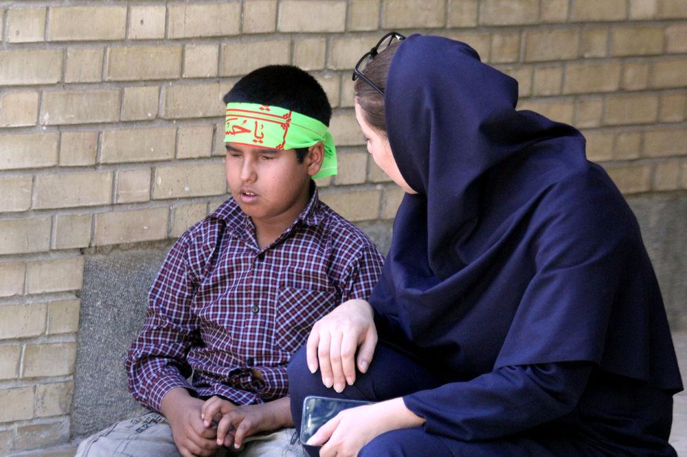 تصاویر یک روز با دانش آموزان نابینای شیراز در روز جهانی نابینایان