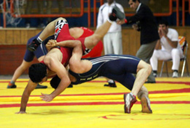 رقابتهای کشتی آزاد لیک جوانان کرمانشاه برگزار شد