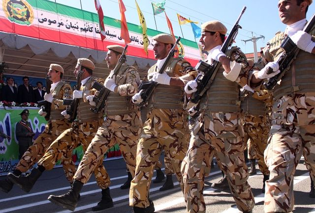 مراسم رژه نیروهای مسلح استان کردستان برگزار شد