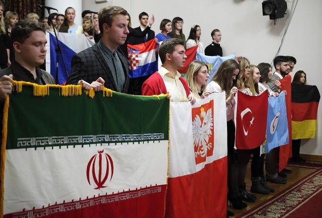 فارسی آموزان دانشگاه ملی اکراین، مترجمان نمایشگاه بینالمللی ایران اکسپو شدند