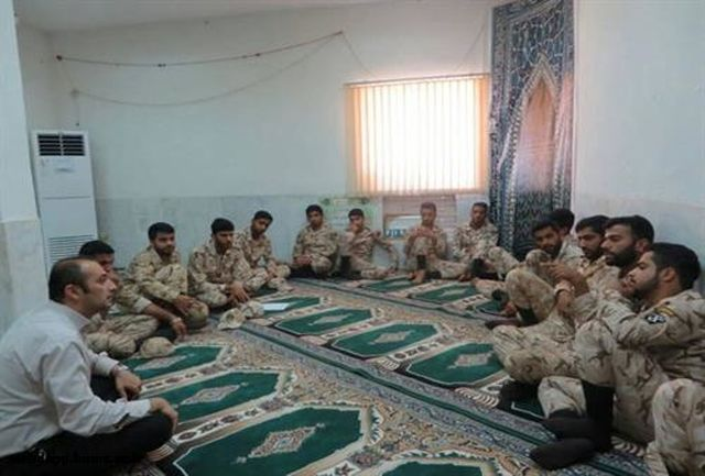 برگزاری کلاس آموزش سلامت روان ویژه سربازان سپاه شهرستان پارسیان