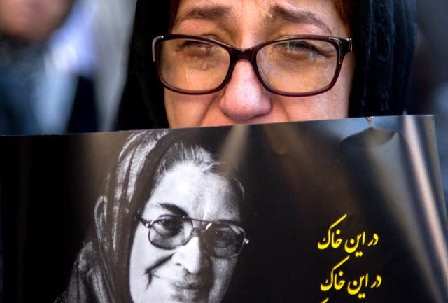 برگزاری جایزه توران میرهادی در آبان هر سال