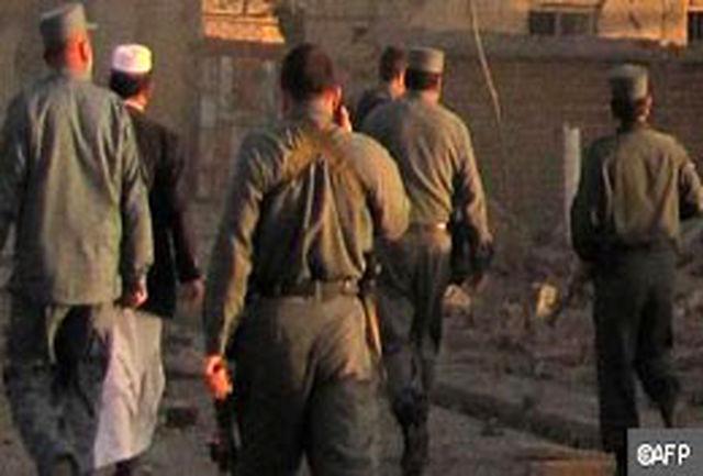 استاندار افغانستان بر اثر انفجار بمب در میکروفن کشته شد