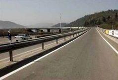 رانندگان وزش شدید باد در جاده ها را جدی بگیرید