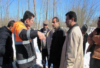 بازدید فرماندار لاهیجان از مناطق برفی شهرستان