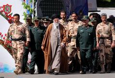 حضور  رهبر انقلاب در دانشگاه امام حسین(ع)