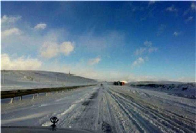برف و کولاک بار دیگر آزاد راه تبریز ـ تهران را مسدود کرد