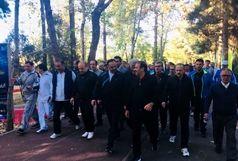 حضور سلطانیفر در مراسم پیادهروی کارکنان وزارت ورزش و جوانان+ عکس