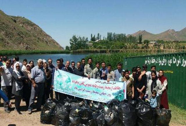 حاشیه دریاچه اوان به مناسبت هفته محیط زیست پاک سازی شد