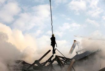ساختمان پلاسکو یک روز پس از حادثه - ۲