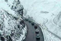 بارش برف در جاده کرج-چالوس