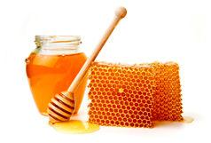ببینید چطور عسل تقلبی همراه با موم درست می کنند!
