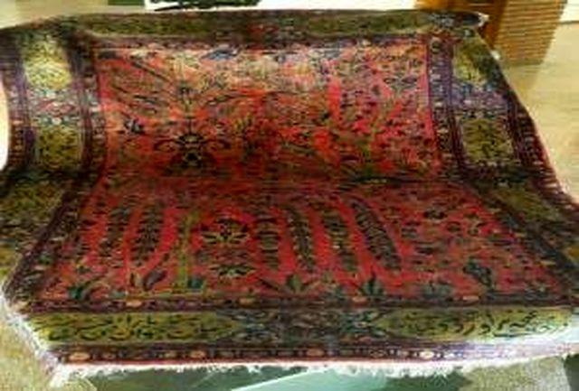 اهدای ۱۱ تخته فرش نفیس به موزه تبریز