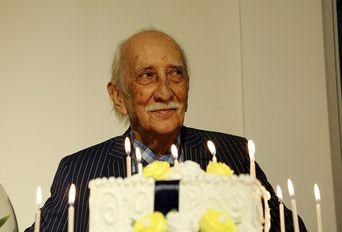 جشن امضای کتاب داریوش اسدزاده در روز کتابگردی
