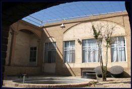 مرمتگران به جان خانه معین الدین افتادند