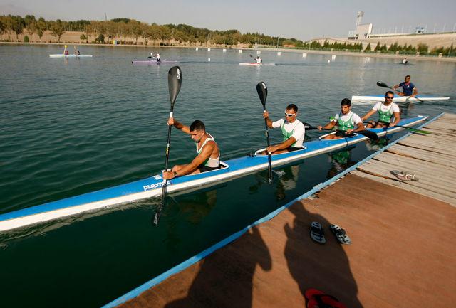 تیم ملی آبهای آرام در دریاچه آزادی به آب میزند