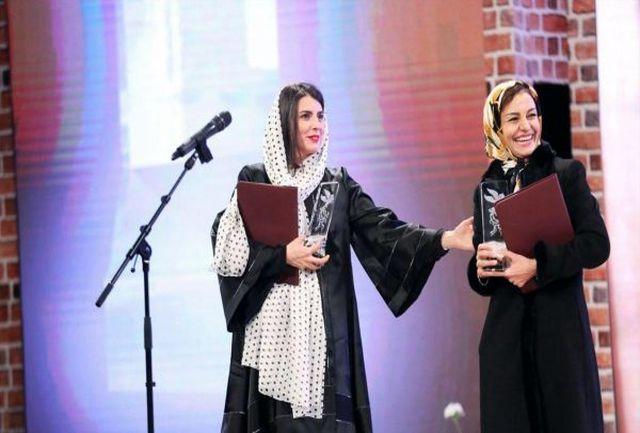 شال خانم بازیگر ایرانی در مقابل دوربین ها از سرش افتاد+ببینید