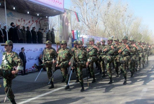 مراسم رژه روز ارتش در اردبیل برگزار شد