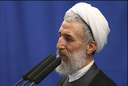 کاندیداها خدا را در نظر بگیرند/ همه ملت ایران پرچمدار این انقلاب هستند