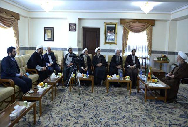 آیت الله محمدی ری شهری با اعضای ستاد برگزاری کنگره بزرگداشت حضرت آمنه (س) دیدار کرد