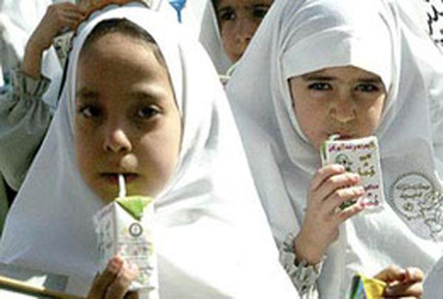 تغذیه رایگان در میان دانش آموزان مناطق محروم توزیع می شود