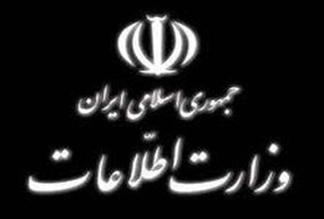 همه ملت ایران از پیشگامان انقلاب محسوب میشوند