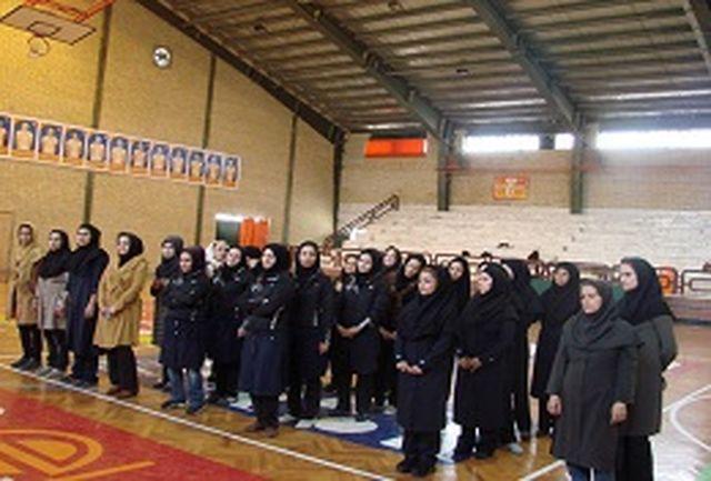 مسابقات آمادگی جسمانی جام حورا بانوان استان مرکزی برگزار شد