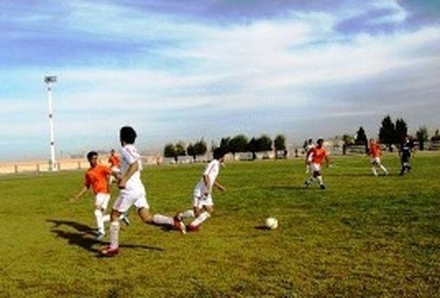 تیم طاق گستران لرستان نماینده استان در لیگ فوتبال امیدهای ایران
