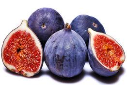 این میوه هم وزن تان را کم می کند، هم پوست تان را شفاف!