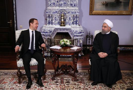 همکاری های ایران و روسیه در روند ثبات و امنیت منطقه و بین الملل موثر است/ نخست وزیر روسیه: خواهان توسعه روابط با تهران در همه حوزه ها هستیم
