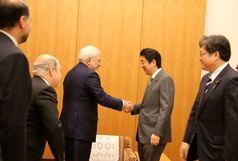 محمد جواد ظریف با نخست وزیر ژاپن دیدار کرد