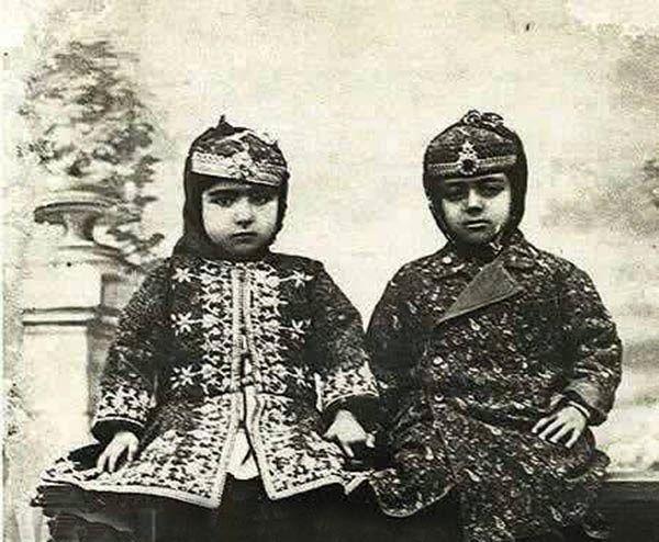 عکس اخترالدوله، زیباترین دختر ناصرالدین شاه و شوهر خردسالش ملیجک