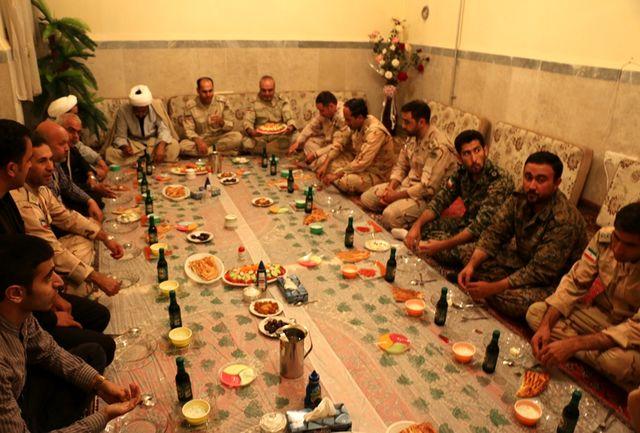 ضیافت افطار خبرنگاران سلماسی در پاسگاه مرزی سنجی