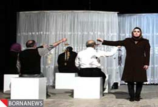 استقبال مردم خراسان شمالی از اولین اجرای تئاتر فجر